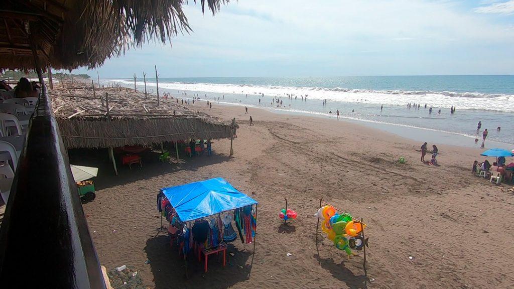 Vista de la Playa El Majahual desde Restaurante El Pacifico